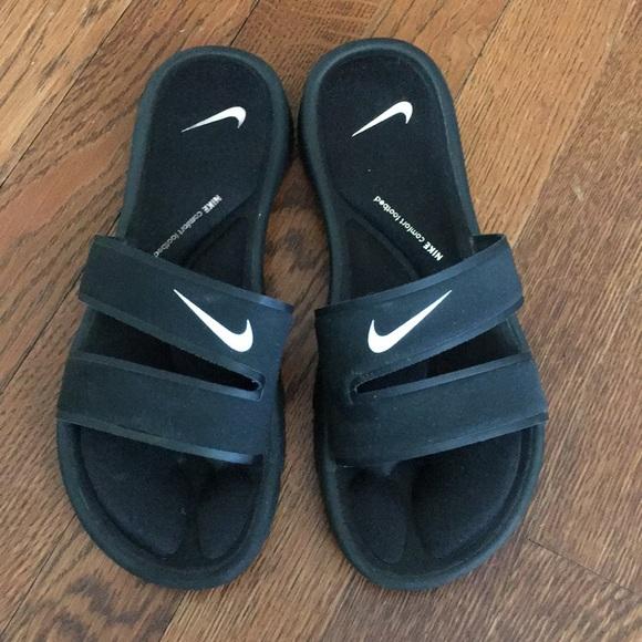 big sale 9c370 af501 Nike comfort footbed sandals